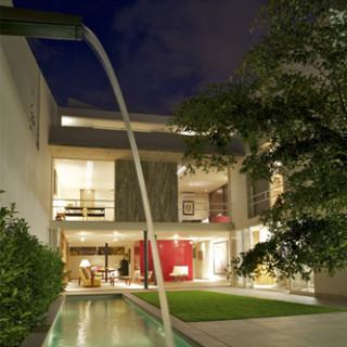 Casa UVE / remodelación (2009)